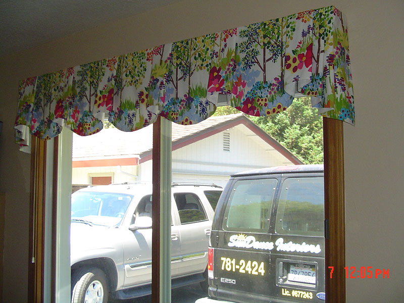 18_imperial_valance