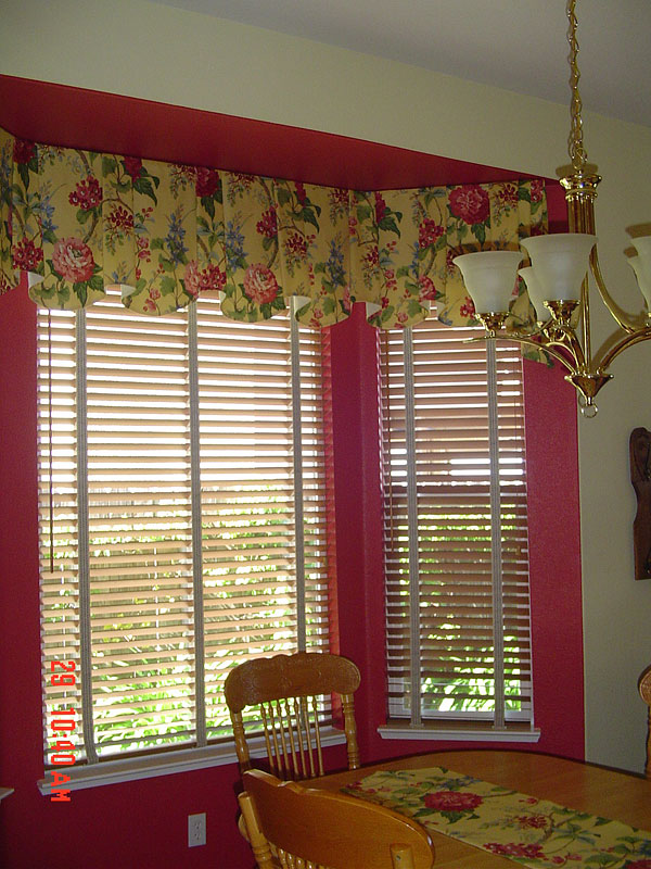 24_bay_window_valance
