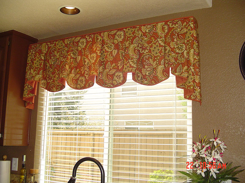 40_sink_imperial_valance